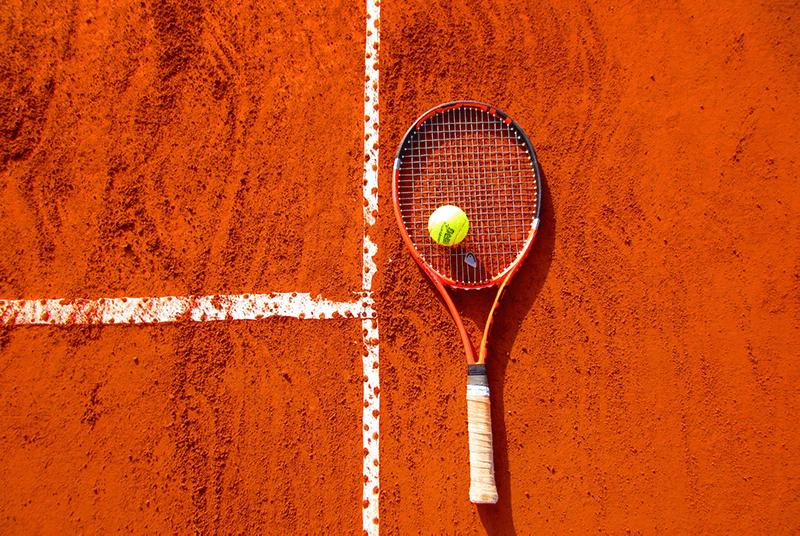 tennis-raquettes-balles-chaussures-bien-choisir-equipement
