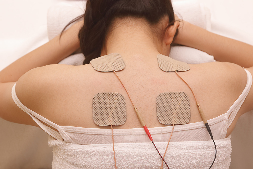 L'électrostimulation ne remplace pas des soins chez un spécialiste comme un kinésithérapeute mais peut aider à faciliter la récupération après un effort intense.