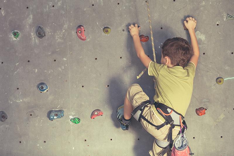 sport-enfant-escalade