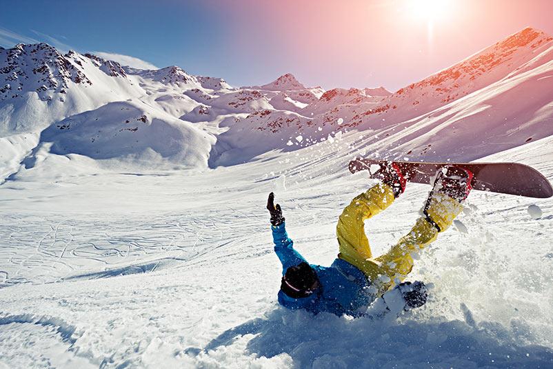 Faites du sport avant de partir au ski pour éviter les blessures lors des chutes