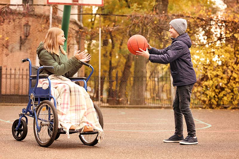 Handicap-valide-sport-basket-jeu-loisir-pratique-social-inclusion